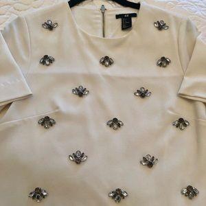 Gorgeous white top size 4